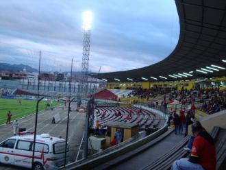 Estadio Alejandro Serrano Aguilar Banco del Austro