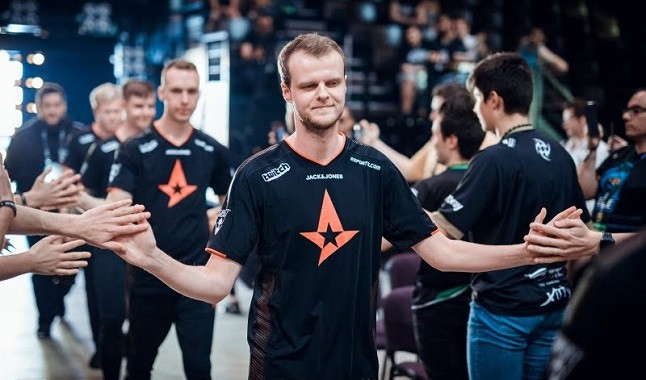 "CS:GO: ""Xyp9x"" returns to Astralis"