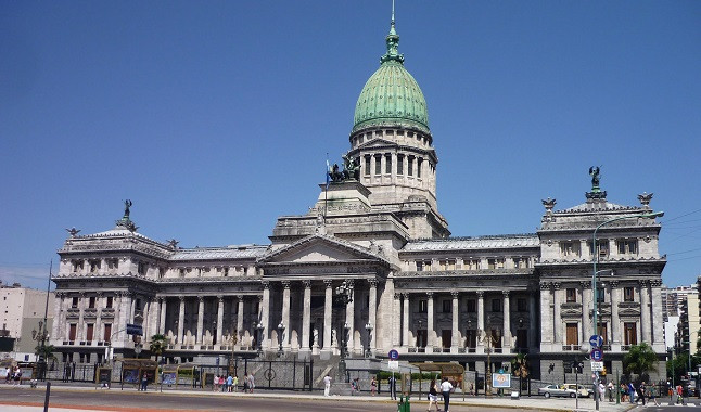 Argentine government raises online betting tax