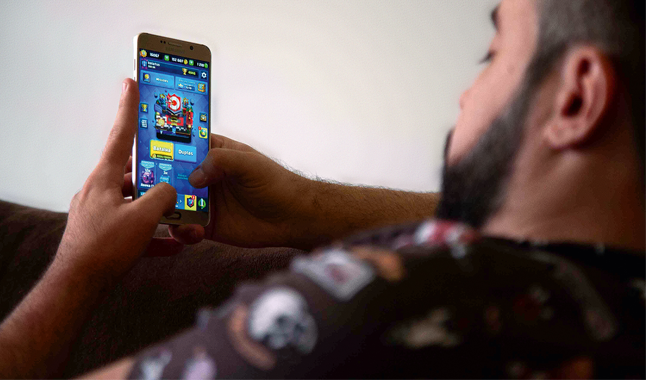 Jogo online limitado durante confinamento social