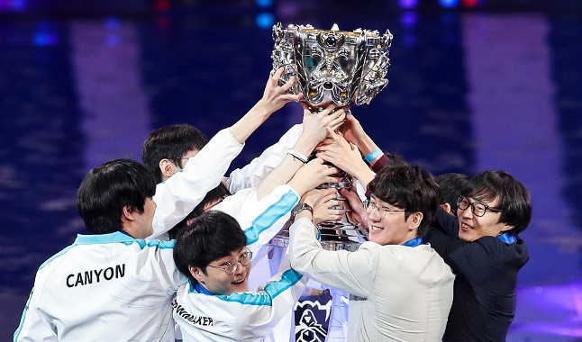 LoL: DAMWON Gaming was the League of Legends Worlds 2020 Champion