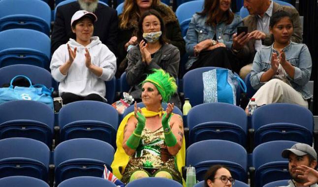 Público no Open da Austrália e o comportamento dos tenistas
