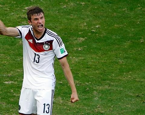 Thomas Müller para marcar no Brasil vs Alemanha