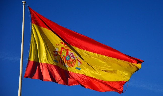 Spain teams may have to cancel deals with bookmakers